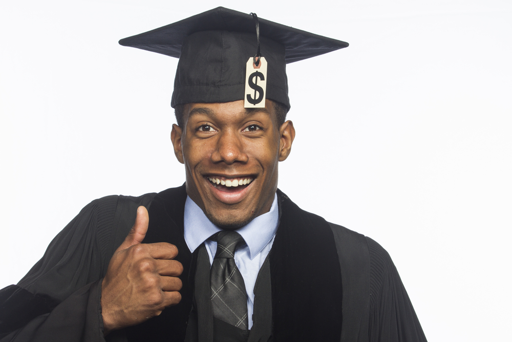 Here are the top public and private colleges with the most generous financial aid packages