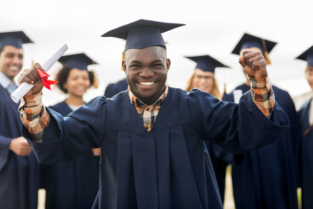 10 Scholarships with May Deadlines